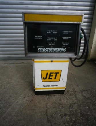 Alte Tankstellen Esso-Q8 Oils