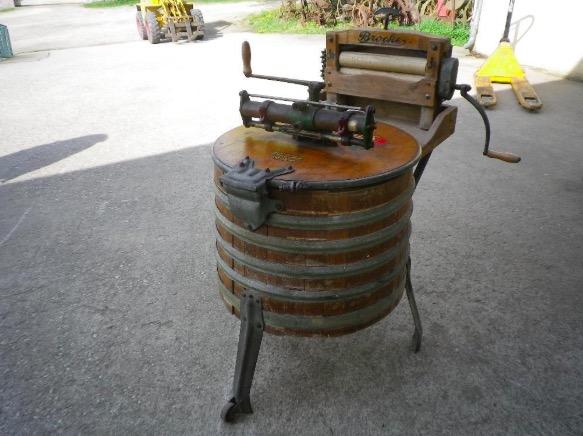 alte antike Holz Waschmaschine 100l Brockes Hollighaus.48.07