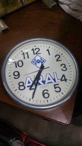Aral Uhr & Aral Ölkanne