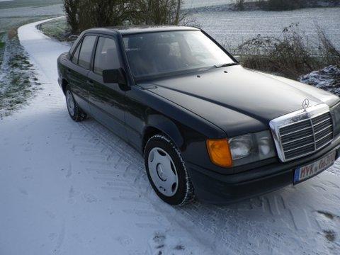 Mercedes -Benz 230 E Bj 1988 mit Tüv und H Zulassung