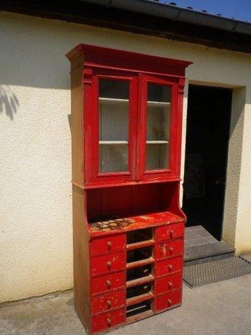 Antiker Küchenschrank ( sehr schöner ausgefallener Zustand )